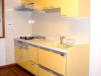 明るくなったキッチンがとても気に入っています。掃除も簡単です。