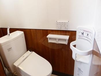 デザイン性を残しながらも、掃除が楽なトイレに!